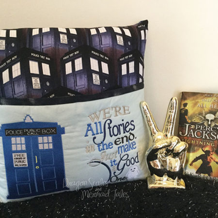 Doctor Dr Who Tardis Reading Cushion