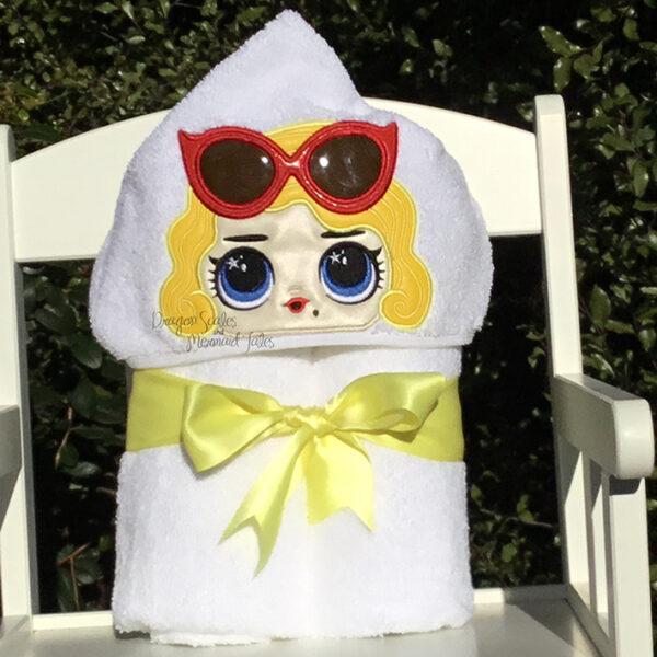 Blonde bombshell Marilyn Monroe hooded towel