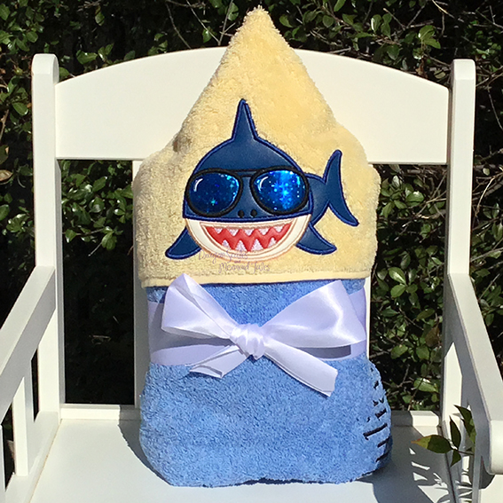 baby shark hooded towel