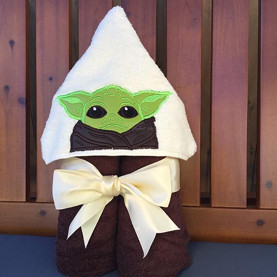 Baby yoda the child mandalorian hooded towel